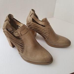 Latigo Booties Anthropologie Heeled boots sz.10M